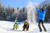 71437_inzell_winter_familie_schlitten_spa_sn