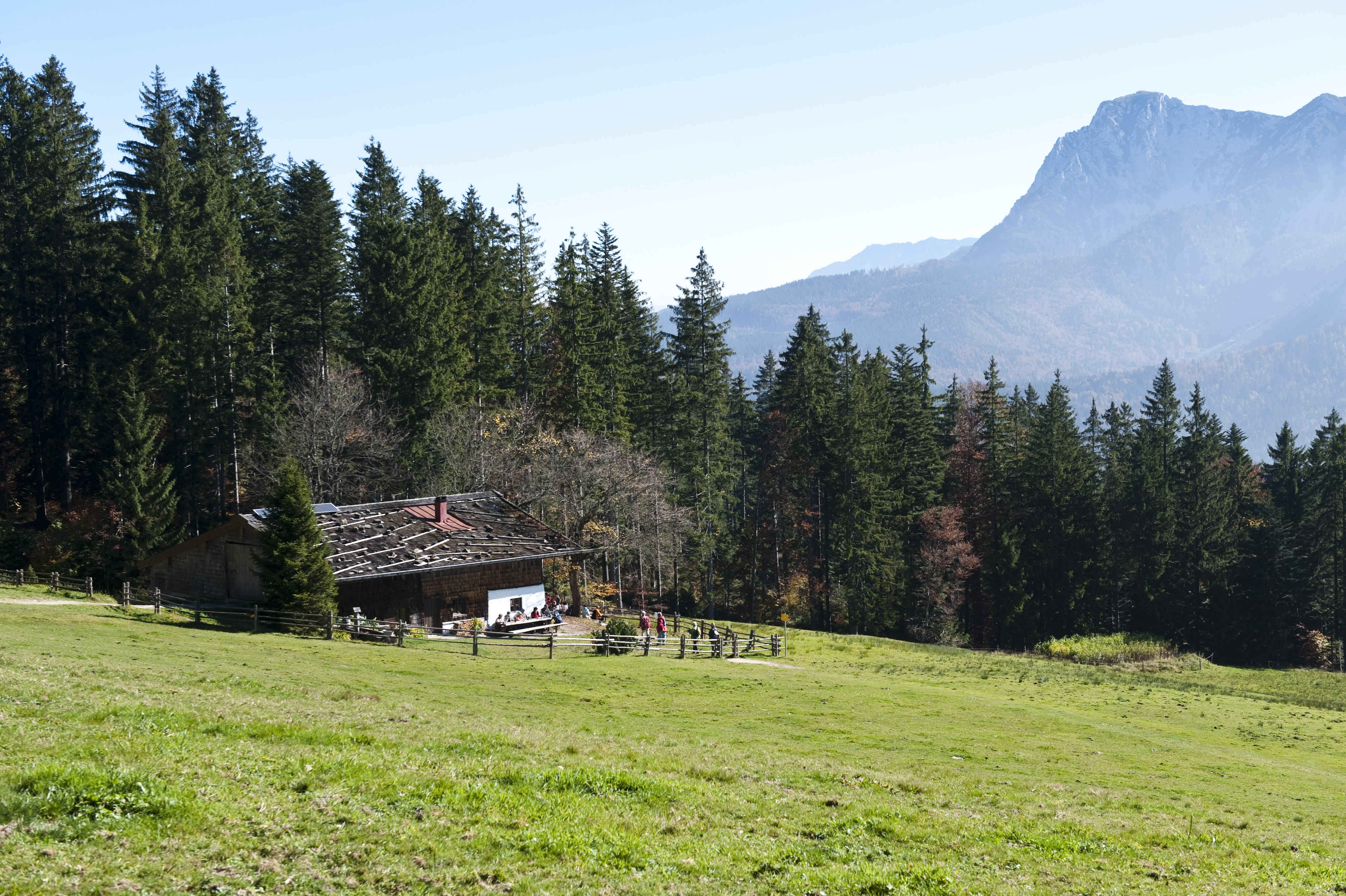 o_74802_inzell_sommer_leute_baeckeralm_panorama_